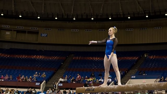 Marissa Beucler of Kentucky on beam